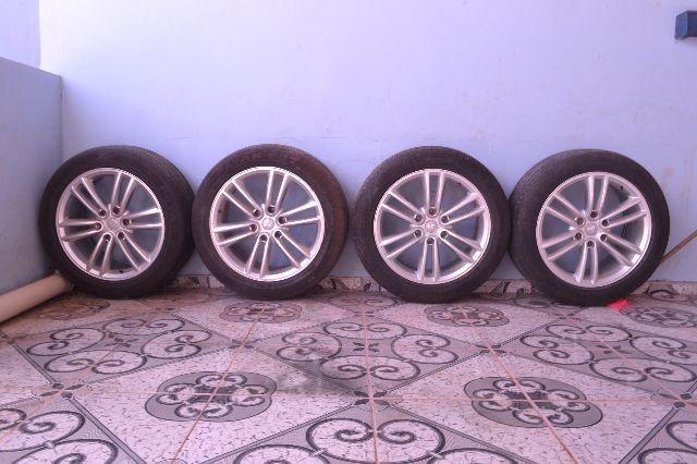 Rodão Mitsubishi c/pneus R-601 265/50 R20,