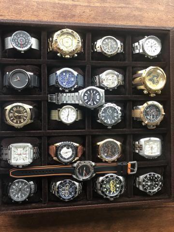 Vendo caixa completa de relógio