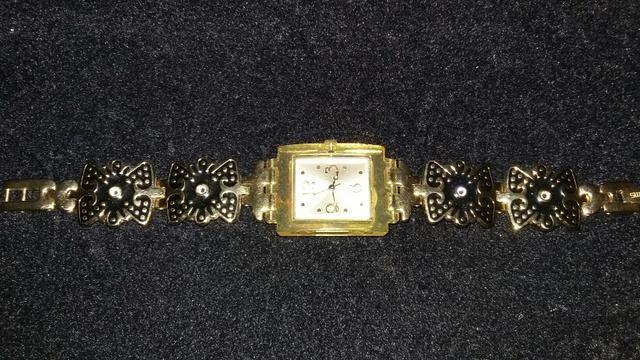 1b89dc2c6ff Relogio swatch swiss original dourado - Bijouterias