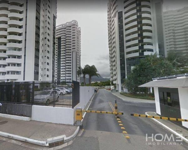 Apartamento com 2 dormitórios à venda, 66 m² por R$ 210.000 - Barra da Tijuca - Rio de Jan