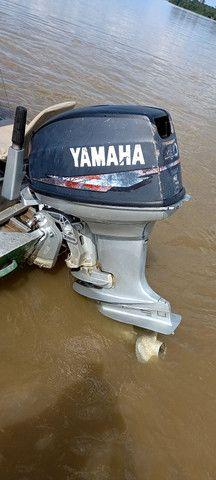 Vendo um motor de popa 40 HP Yamaha  - Foto 2