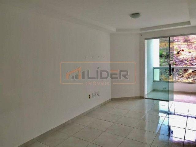 Vende-se Apartamento com 02 Quartos + 01 Suíte no Bairro Santa Mônica - Foto 2