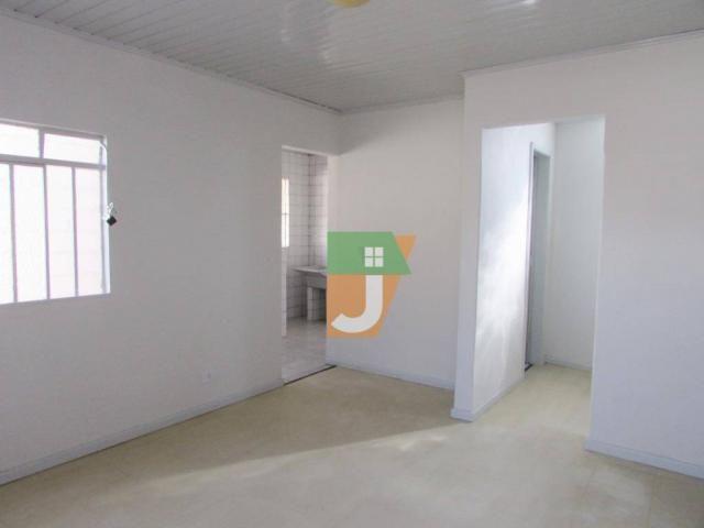 Casa com 1 dormitório para alugar, 50 m² por R$ 890,00/mês - Uberaba - Curitiba/PR