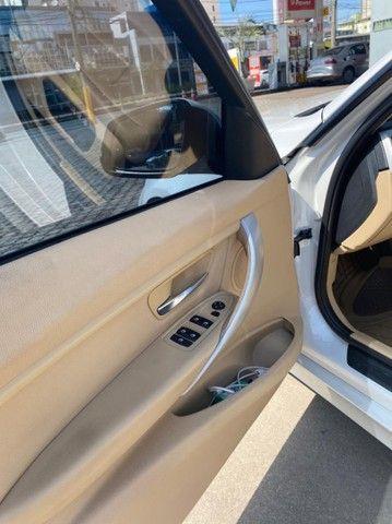 BMW 320i apenas 65.000 km branco pérola 2014 - Foto 7