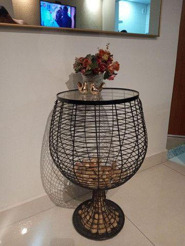 Mesa taça colecionadora de rolhas