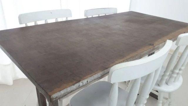 Mesa de imbuia maciça em pátina. AS CADEIRAS EU NÃO TENHO MAIS  - Foto 3