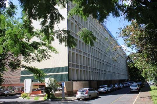 Apartamento de 02 quarto + DCE na SQS 106 Bloco A - Imóvel com armários