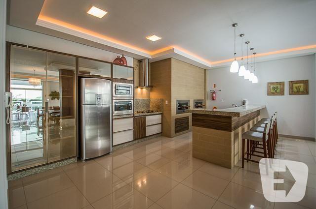 Apartamento diferenciado com piscina em Balneário Camboriú