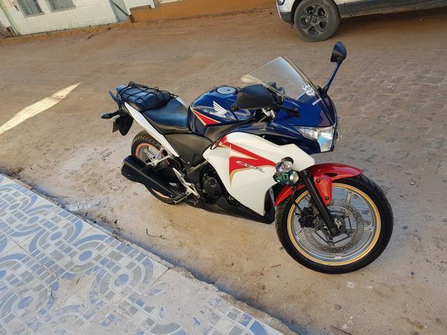 Moto CBR 250