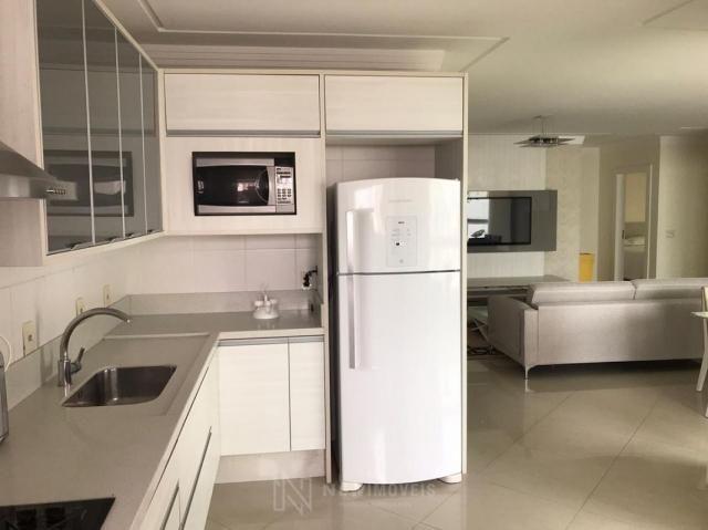 Apartamento Quadra Mar Mobiliado 3 Suítes - Foto 9