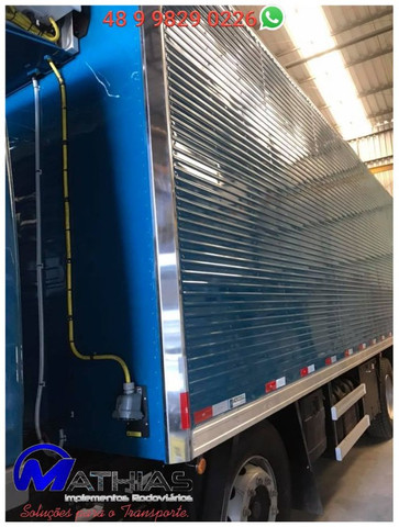 Bau refrigerado caminhoes bi truck 16 paletes Mathias Implementos - Foto 2