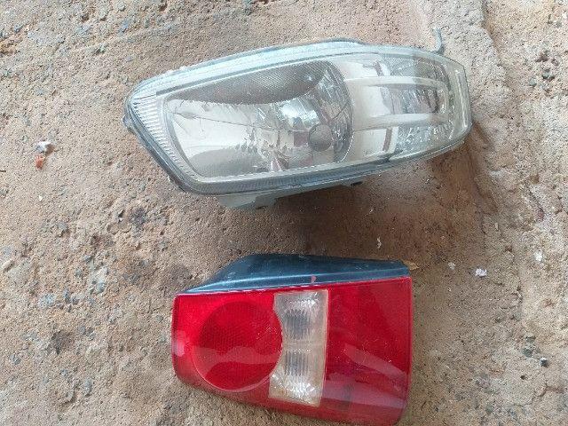 Vendo farol é lanterna da Parati/gol - Foto 2