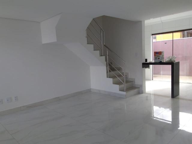 Casa geminada, 03 quartos, 01 vaga, 90 m² Bairro Planalto.