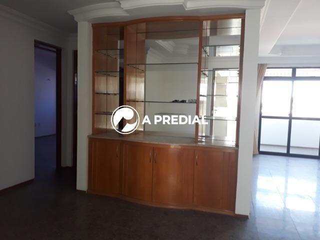 Apartamento 3 quartos, a poucos metros da Avenida Desembargador Moreira. - Foto 8