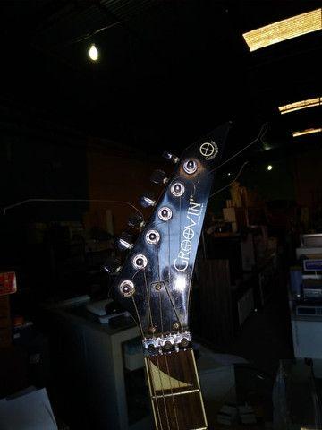 Guitarra braço empenado - Foto 3