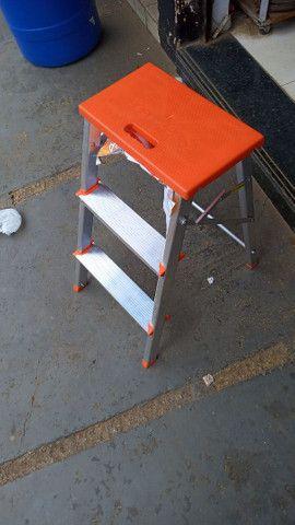Escadas e banqueta de alumínio - Foto 3