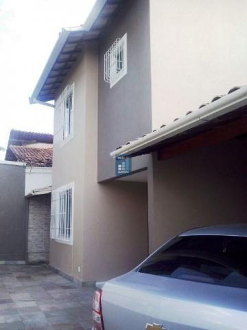Casa de 3 quartos no Bairro Santa Amélia