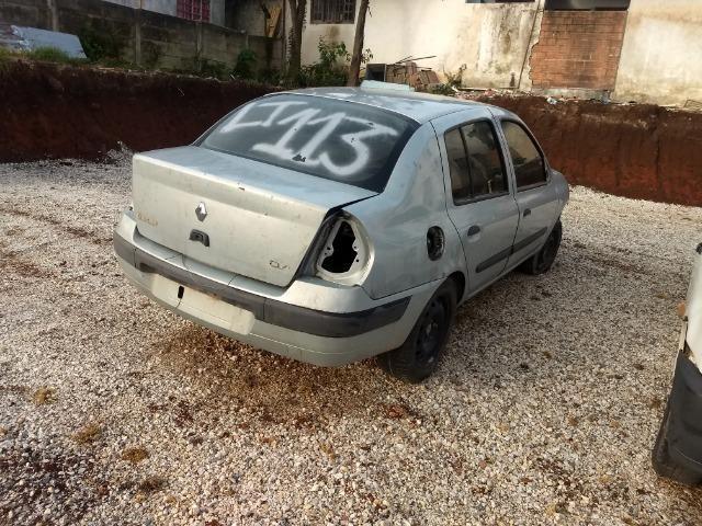 Renault Clio 1.0 16v sedan 2005 Sucata em peças - Foto 19