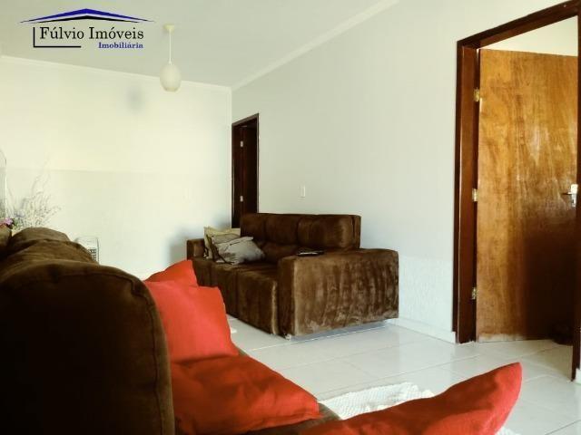 Maravilhosa em condomínio fechado, 1.200m² de terreno, área de lazer e salão de festas - Foto 3