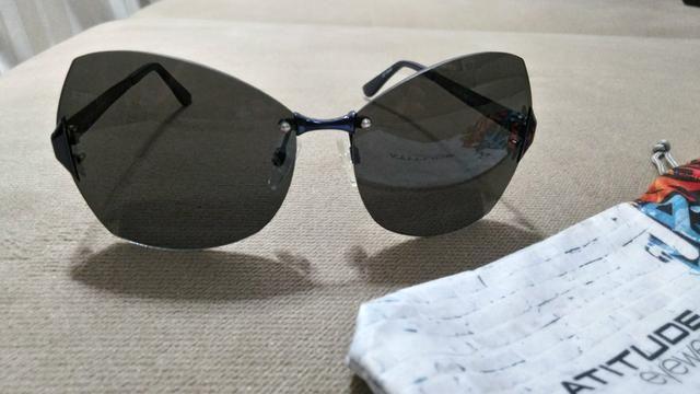 be99d0a19a5a2 Lote com dois óculos de sol originais - Bijouterias, relógios e ...