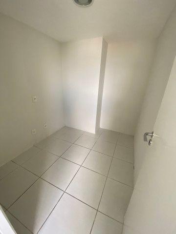 Alugo apartamento 3 quartos mais dependência - Foto 5