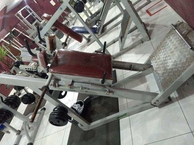 Hack Machine (Máquina para agachamento) - Foto 4