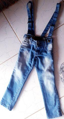 Calça infantil feminina com suspensorio semi nova - Foto 2