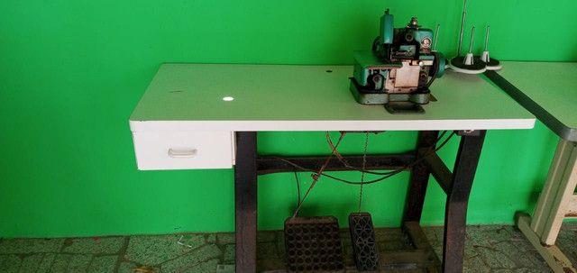 Máquina de costura Overloque usada