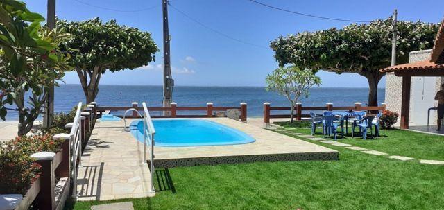 Casa Frente praia-Piscina Cond. fechado. Local Privilegiado - Praia Linda-4 qtos suites - Foto 5