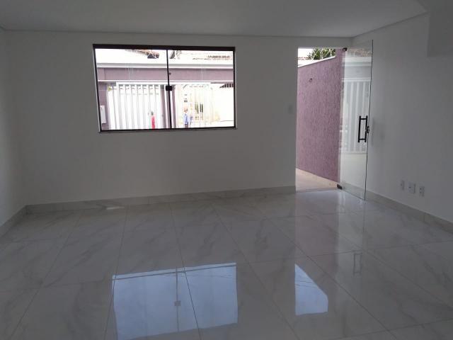 Casa geminada, 03 quartos, 01 vaga, 90 m² Bairro Planalto. - Foto 4