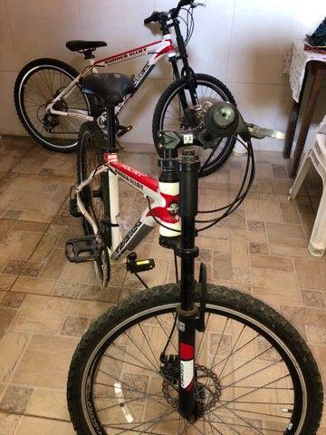 Vendo 2 bicicletas alumínio Aro 26, 18 marchas - Foto 4