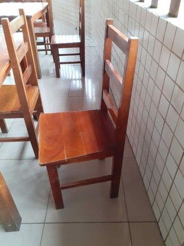 Conjunto mesa madeira com 4 cadeiras - Foto 4