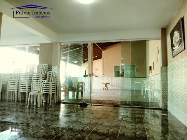 Maravilhosa em condomínio fechado, 1.200m² de terreno, área de lazer e salão de festas - Foto 17