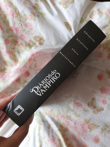 Box de livros da coleção Diários do Vampiro - Foto 2