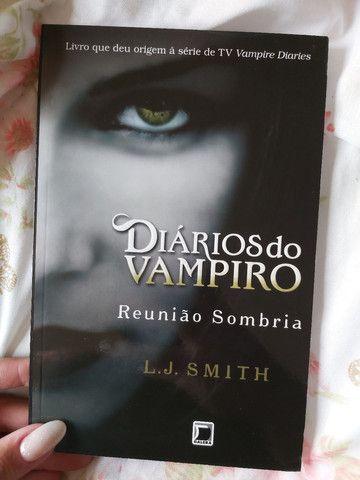 Box de livros da coleção Diários do Vampiro - Foto 3