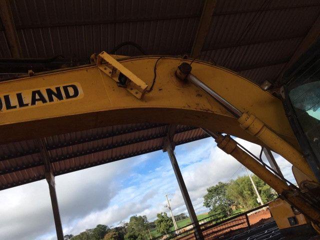 Escavadeira New Holland E215LC - Foto 3