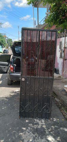 Portão de ferro  com fechadura é chave fazemos  entrega  - Foto 5