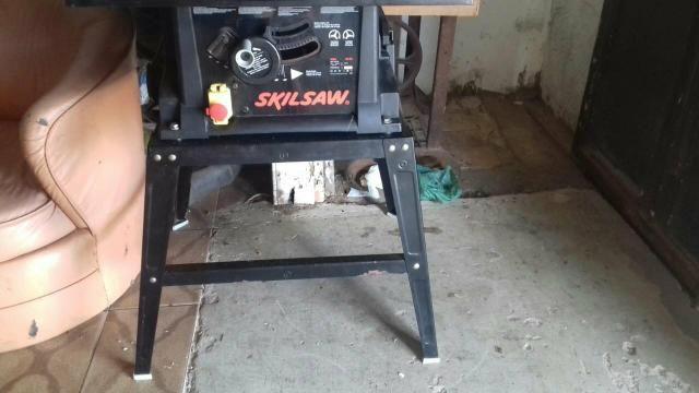 Máquina de corte de madeira