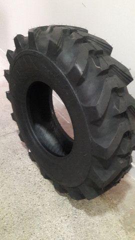 Pneus para maquinas pesadas e industriais