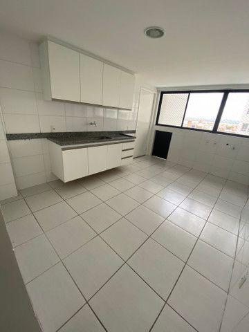 Alugo apartamento 3 quartos mais dependência - Foto 6