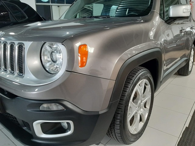 Jeep renegade automática limited 1.8 completo banco de couro único dono garantia fabrica - Foto 12