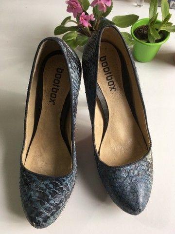 Sapato salto azul couro legítimo - Foto 3