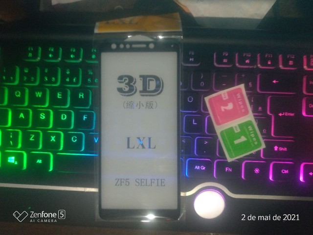 Película 3D Asus Zenfone 5 selfie