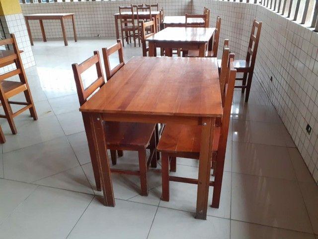 Conjunto mesa madeira com 4 cadeiras - Foto 2