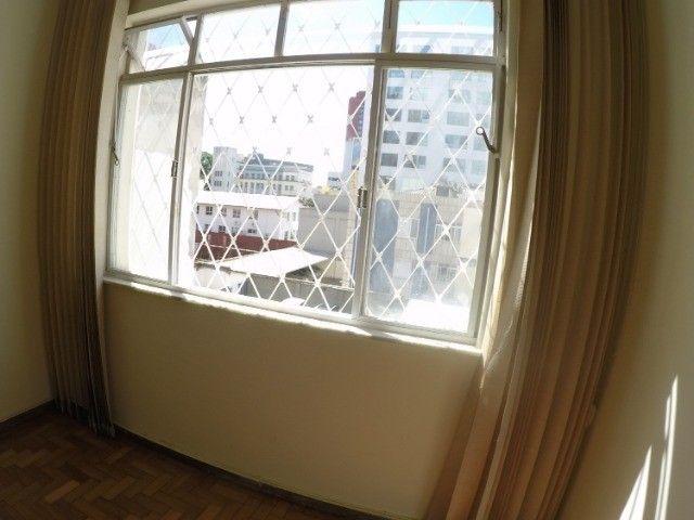 Apartamento grande, 3 quartos, localização estratégica e privilegiada, silencioso. - Foto 6