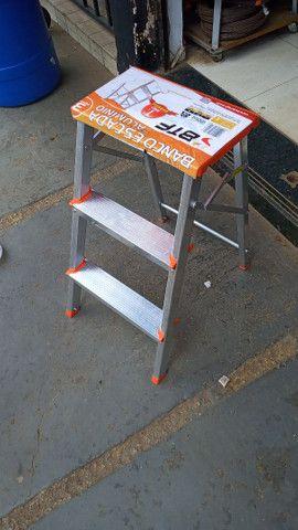 Escadas e banqueta de alumínio - Foto 4