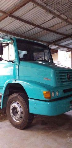 Caminhão MB 1218 - Baú - Ano 2000