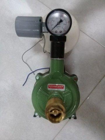 Bomba Dàgua Schneider Com Pressurizador 2 Litros Semi Nova - Foto 5
