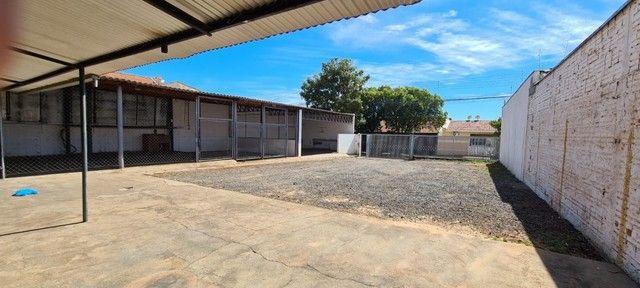 Alugo ou vendo- Barracão com pátio grande, no Jd. Novo Bongiovani em P. Prudente- SP - Foto 2