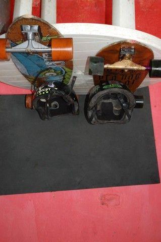 Long board com capacetes - Foto 4